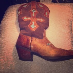 Leather Ariat cowboy boots